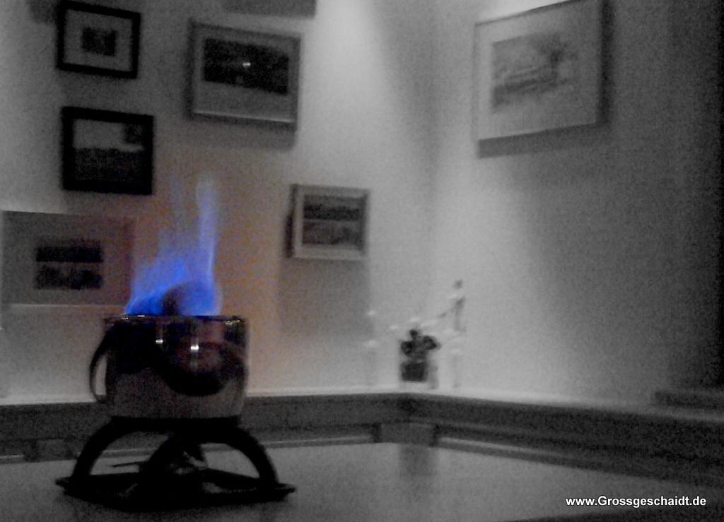 Feuerzangenbowle im Dorftreff (Foto: Marlies)